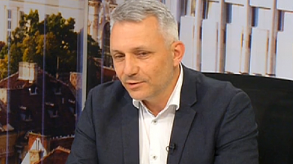 """Николай Хаджигенов обяви, че протест с участието на Мая Манолова е срещу… """"триото"""""""