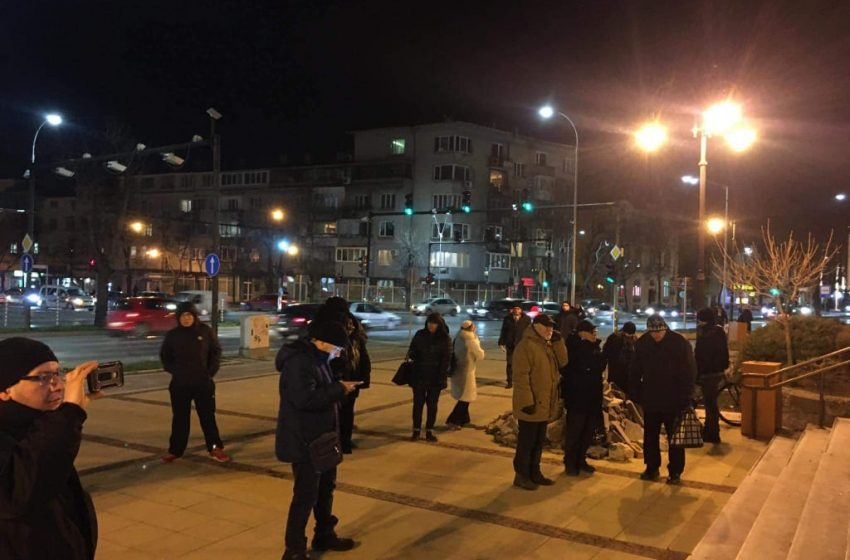 Несломими: София и Варна не спират да протестират